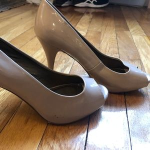 Patent Leather nude heels